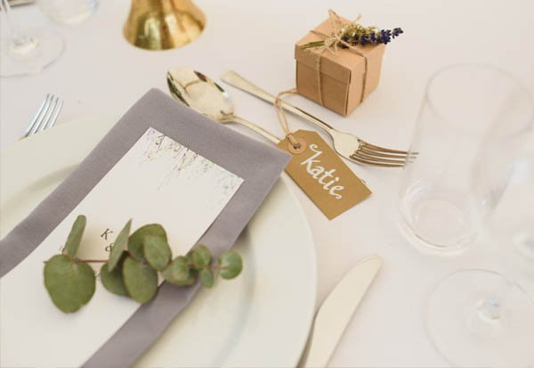 hire wedding glasses, cutlery and table cloth